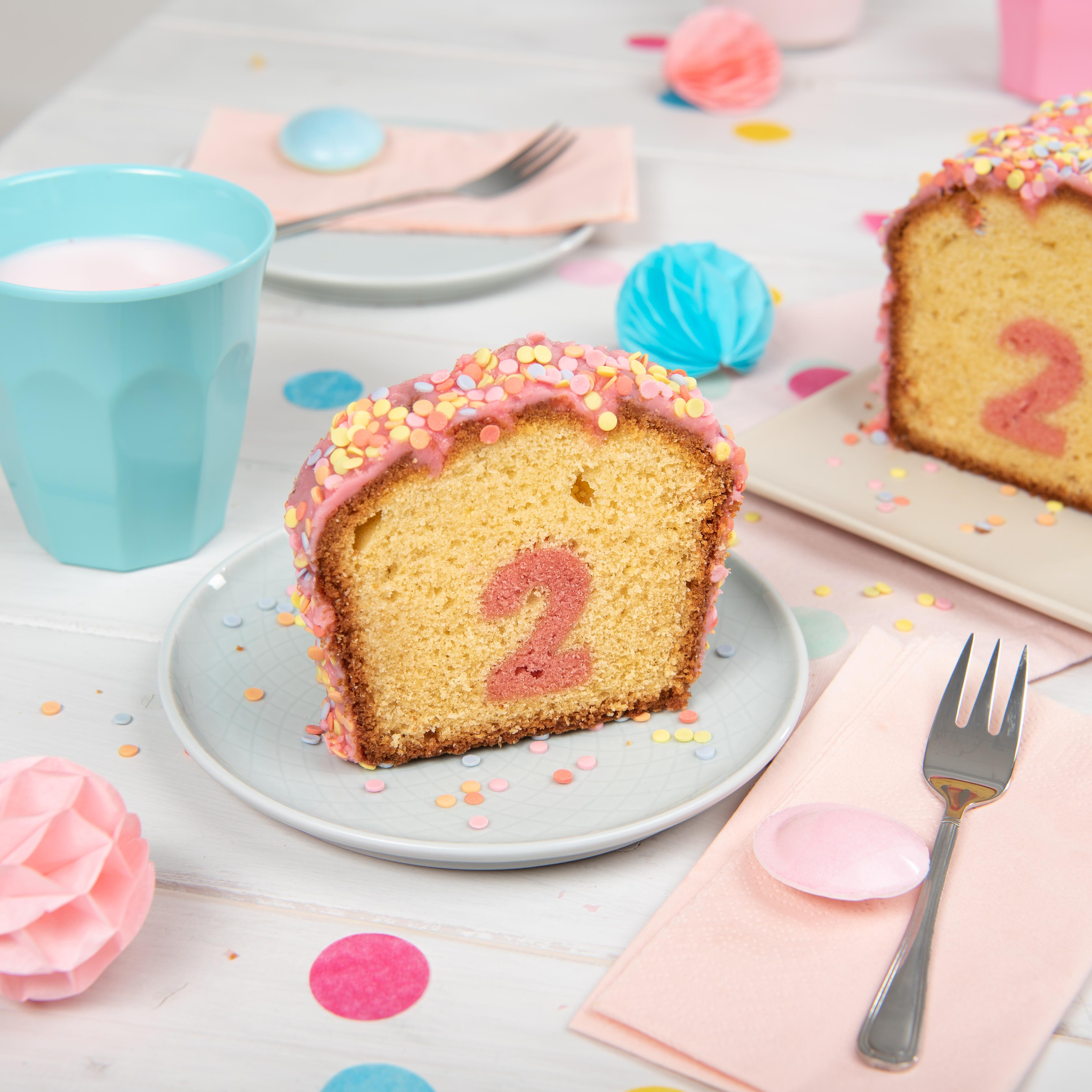 Überraschungs-Kuchen mit Zahl