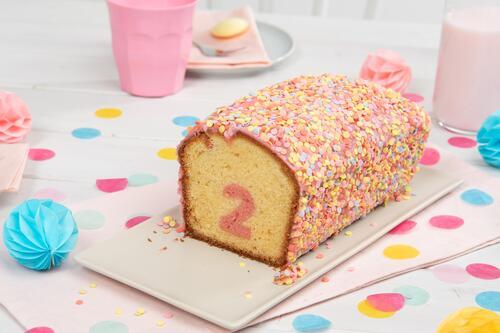 Uberraschungs Kuchen Mit Zahl Rezept Von Backen De